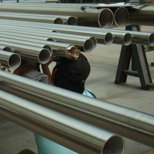 304拉丝不锈钢管